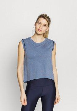 Under Armour - RUN ANYWHERE SHORT SLEEVE - Camiseta estampada - mineral blue