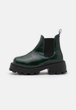 Topshop - KYLIE CHELSEA SQUARE TOE BOOT - Plateaustiefelette - bottle green