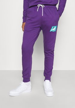 STAPLE PIGEON - STACKED LOGO - Jogginghose - purple