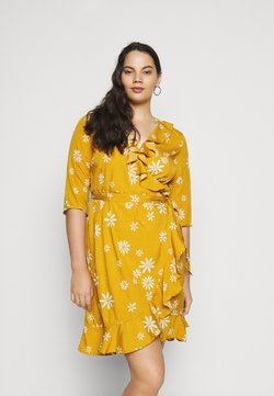 Vero Moda Curve - VMLYA 3/4 ABOVE KNEE DRESS - Freizeitkleid - mustard