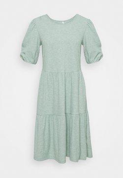 ONLY Tall - ONLNELLA SHORT DRESS - Vestido de punto - chinois green