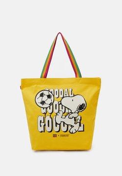 Levi's® - SNOOPY SPORT GOAL TOTE UNISEX - Shopping bag - regular yellow