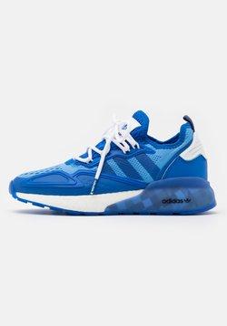 adidas Originals - NINJA ZX 2K BOOST SHOES UNISEX - Sneaker low - blue/footwear white/collegiate green