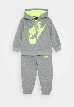 Nike Sportswear - SUEDED FUTURA JOGGER SET - Tracksuit - dark grey heather