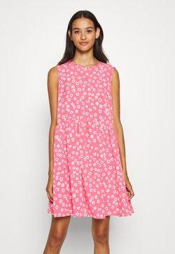 Tommy Jeans - DROP WAIST DRESS - Freizeitkleid - glamour pink