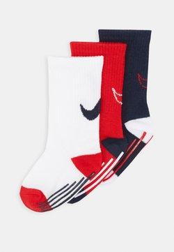 Nike Sportswear - TRACK GRIPPER 3 PACK - Sokken - university red
