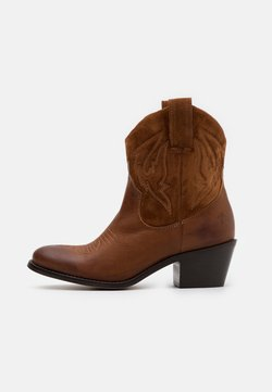 Apple of Eden - Cowboy-/Bikerstiefelette - cognac