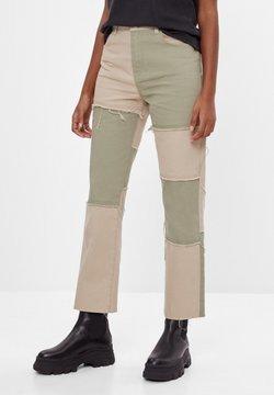 Bershka - Straight leg jeans - khaki