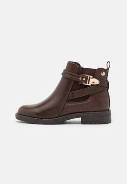 XTI - Korte laarzen - brown