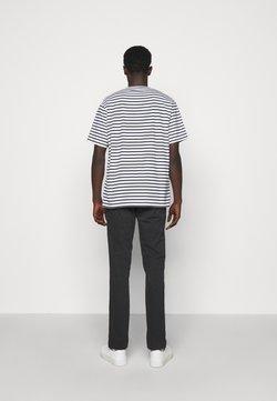 NN07 - KURT - T-Shirt print - navy stripe