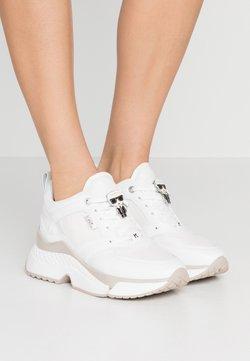 KARL LAGERFELD - AVENTUR LACE SHOE - Sneakersy niskie - white