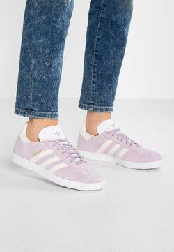 adidas Originals - GAZELLE - Sneaker low - soft vision/orchid tint/ecru tint