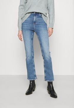 ONLY - ONLCHARLIE  - Flared Jeans - light blue denim
