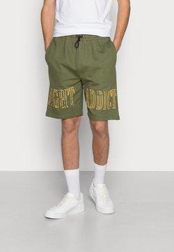 Night Addict - Shorts - bottle green