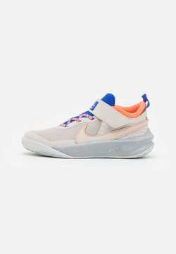 Nike Performance - TEAM HUSTLE D 10 SE UNISEX - Basketballschuh - desert sand/light smoke grey