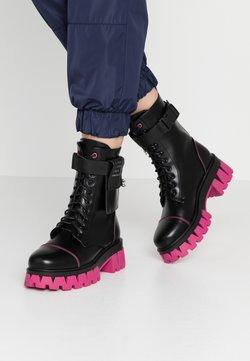 Koi Footwear - VEGAN BANSHEE - Botki na platformie - black/purple