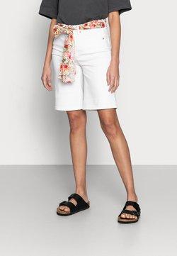 Esqualo - BERMUDA - Jeansshorts - off white