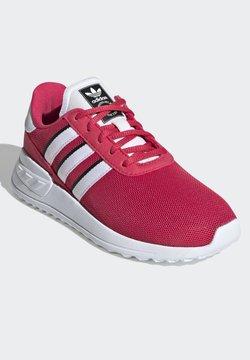 adidas Originals - LA TRAINER LITE SHOES - Sneakers basse - pink