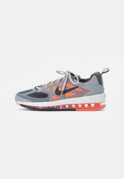 Nike Sportswear - AIR MAX GENOME - Sneakers laag - smoke grey/iron grey mango-summit white-grey