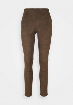 Sand Copenhagen - SHAMAR - Trousers - khaki