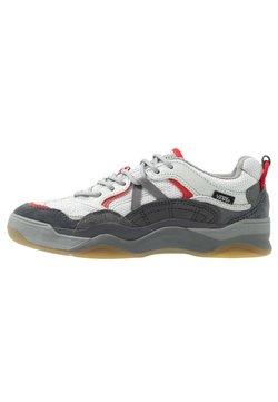 Vans - VARIX WC - Sneakersy niskie - drizzle/frost gray/asphalt