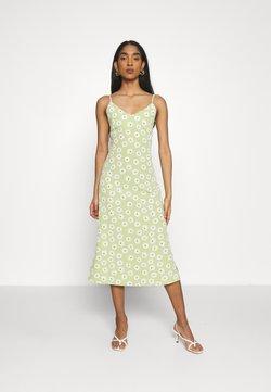 Glamorous - CARE MIDI DRESSES WITH NARROW STRAPS AND SIDE SPLIT - Freizeitkleid - green