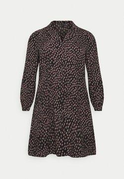 Vero Moda Curve - VMTANJA V-NECK SHORT DRESS - Freizeitkleid - black