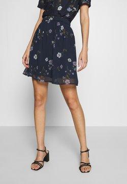 Vero Moda - VMFALLIE SHORT SKIRT  - Pliceret nederdel /Nederdele med folder - navy blazer/fallie
