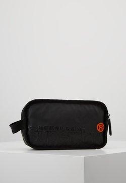 Superdry - TARP WASH BAG - Toiletti-/meikkilaukku - black