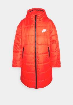 Nike Sportswear - CLASSIC PARKA - Vinterfrakker - chile red/black/white
