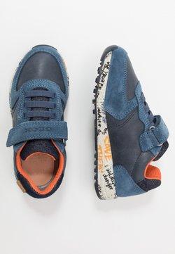 Geox - ALBEN BOY - Sneaker low - navy/orange