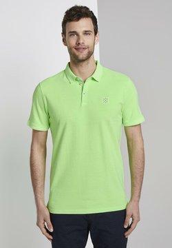 TOM TAILOR - POLOSHIRTS POLOSHIRT MIT LOGO-PATCH - Poloshirt - neon gecko green
