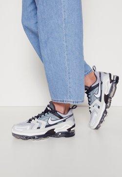 Nike Sportswear - AIR VAPORMAX EVO UNISEX - Matalavartiset tennarit - wolf grey/white/anthracite/dark grey