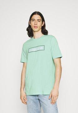 adidas Originals - LINEAR LOGO TEE - Camiseta estampada - clear mint