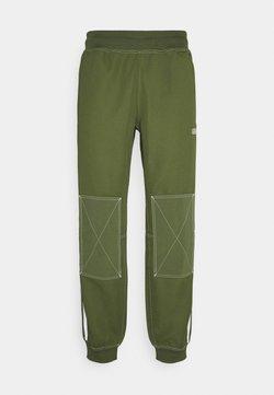 adidas Originals - UNISEX - Jogginghose - wild pine