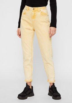 Pieces - PCLEAH MOM HW ANK COLOUR ACID JEANS - Straight leg jeans - artisans gold
