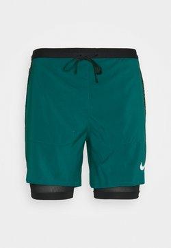 Nike Performance - Pantalón corto de deporte - dark teal green/black/reflective silver