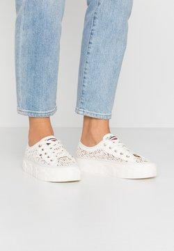 Tommy Hilfiger - KELSEY  - Sneaker low - white