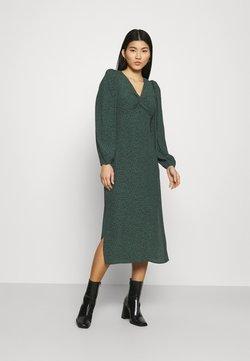 Mavi - PRINTED DRESS - Freizeitkleid - green