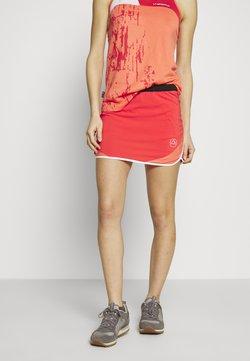 La Sportiva - COMET SKIRT - Falda de deporte - hibiscus/flamingo