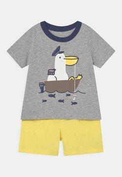 Carter's - 2-Piece Pelican Jersey Tee & Short Set - Shorts - mottled grey/yellow