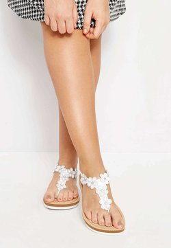 Yours Clothing - DIAMANTE FLOWER  - Zehentrenner - white