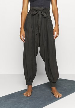 Free People - WADE AWAY HAREM - Pantalones - black