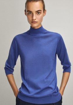 Massimo Dutti - MIT GERIPPTEM STEHKRAGEN - Pullover - light blue