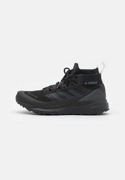 adidas Performance - TERREX FREE HIKER GORE TEX HIKING SHOES - Hikingschuh - core black/carbon/footwear white