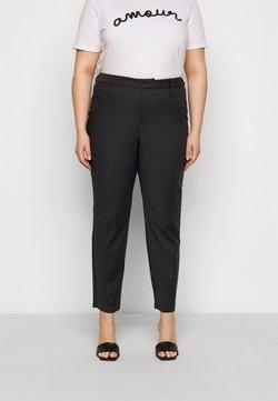 Vero Moda Curve - VMVICTORIA ANTIFIT ANKLE PANTS - Bukse - black