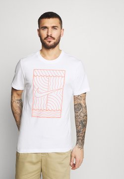 Nike Performance - TEE COURT  - Camiseta estampada - white/bright mango