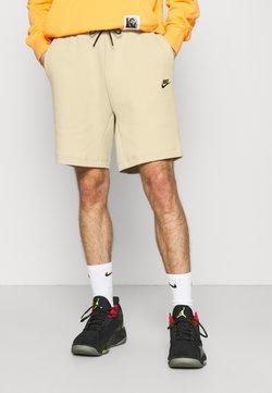 Nike Sportswear - Shorts - grain/black