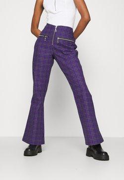 The Ragged Priest - BECK FLARED ZIP POCKETS - Pantalon classique - purple