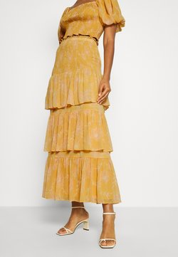 Forever New - TIERED RUFFLE SKIRT - Maxinederdele - mustard